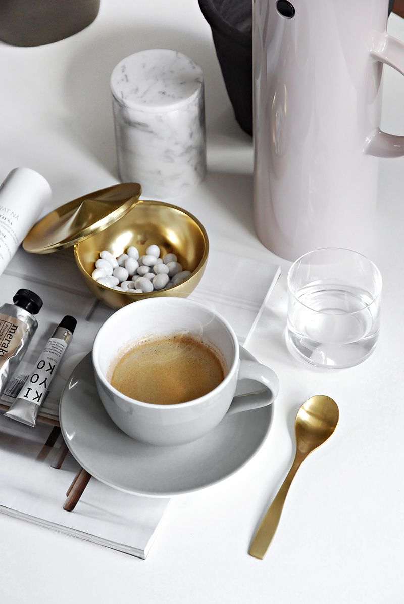 Only Deco Love: Moments with Stelton : Enjoying an afternoon coffee with friends or alone