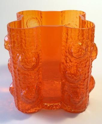 Quadrifolia vase by Nanny Still, Riihimäen lasi (1968).