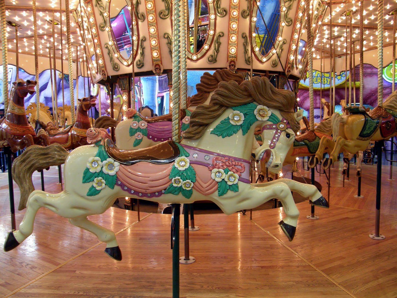 Картинки лошадок для каруселей потому