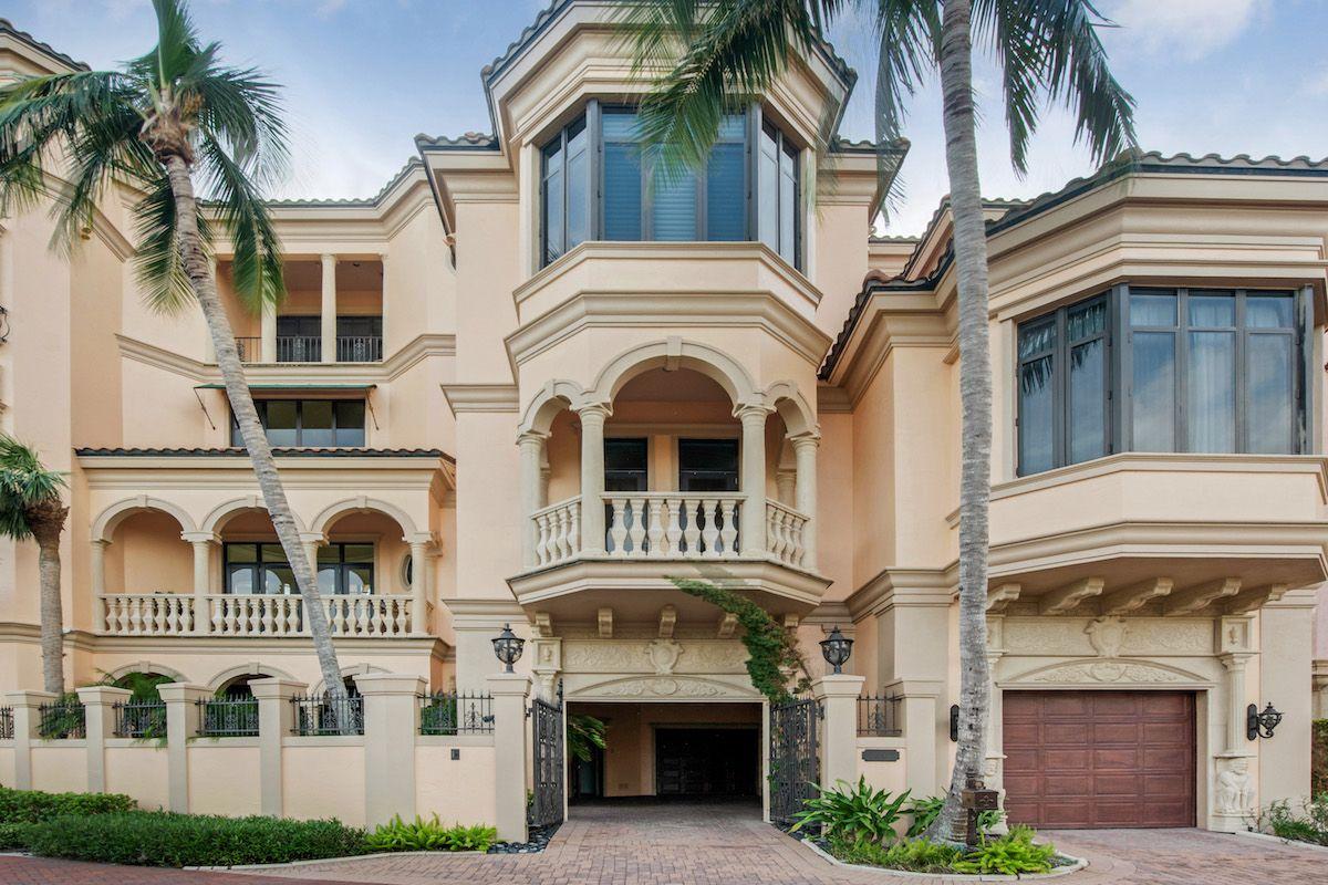 Mediterranean Mansion On Florida S Gulf Coast Hitting Market For 19 975m Mediterranean Mansion Mansions Gulf Coast