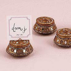 1f8ccde5afa04b08f1dfb50b6f62f6ca - Asian Wedding Favour Boxes