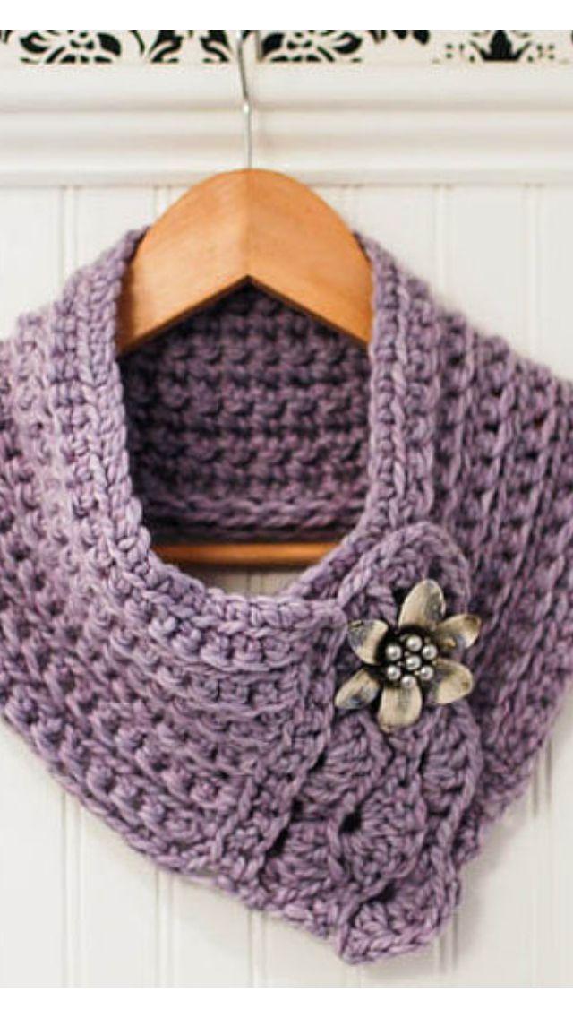 Tejida en croché color lila | Cuellos tejidos para mujer | Pinterest ...