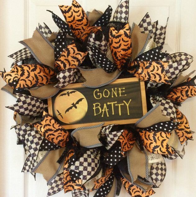 16 Awesome Halloween Wreaths That You Can Do For Less Than