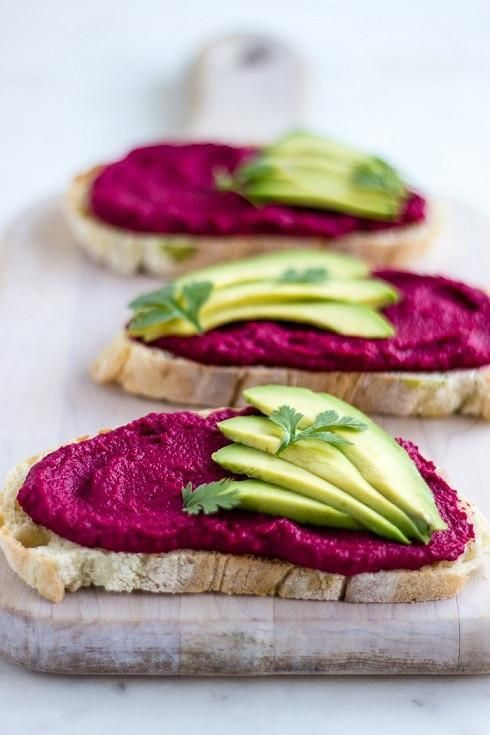 Photo of High Protein Rote Beete Hummus Spread