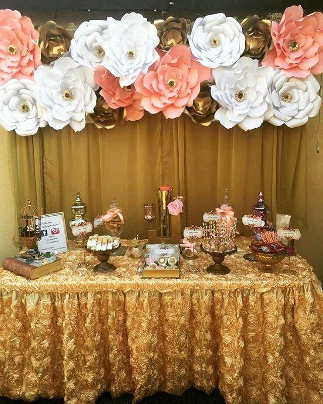 Beautiful Golden Sweet Table For A Very Classy Girl Linda Mesa De Dulces En Party Tables Decoracion De Quinceaneras Decoracion De Unas Y Decoracion De C