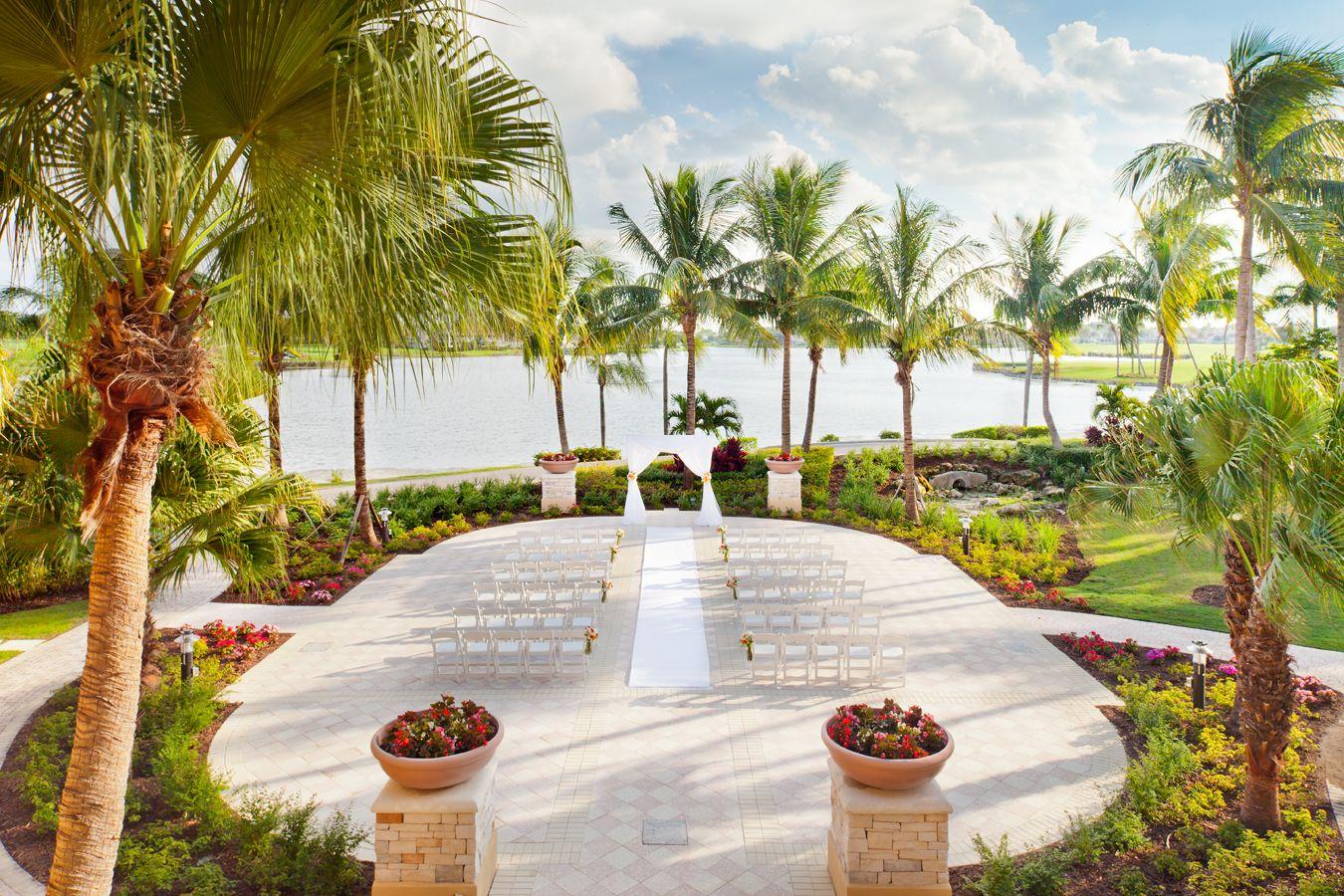 Lakeside Lawn Ceremony #PGAnational #Weddings #Brides