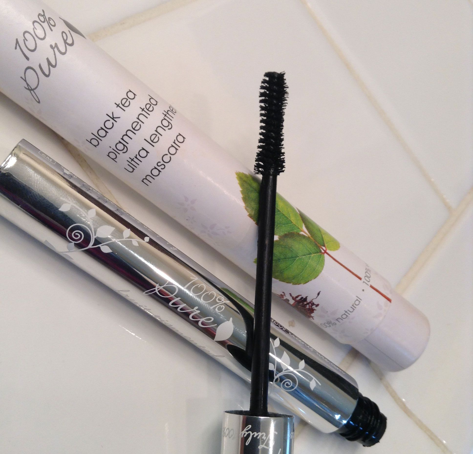 100 Pure Fruit Pigmented Mascara Pure products, 100