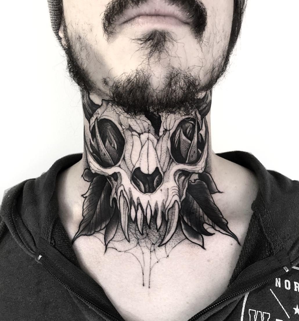 Mann tattoo hals 30 Schriftzug