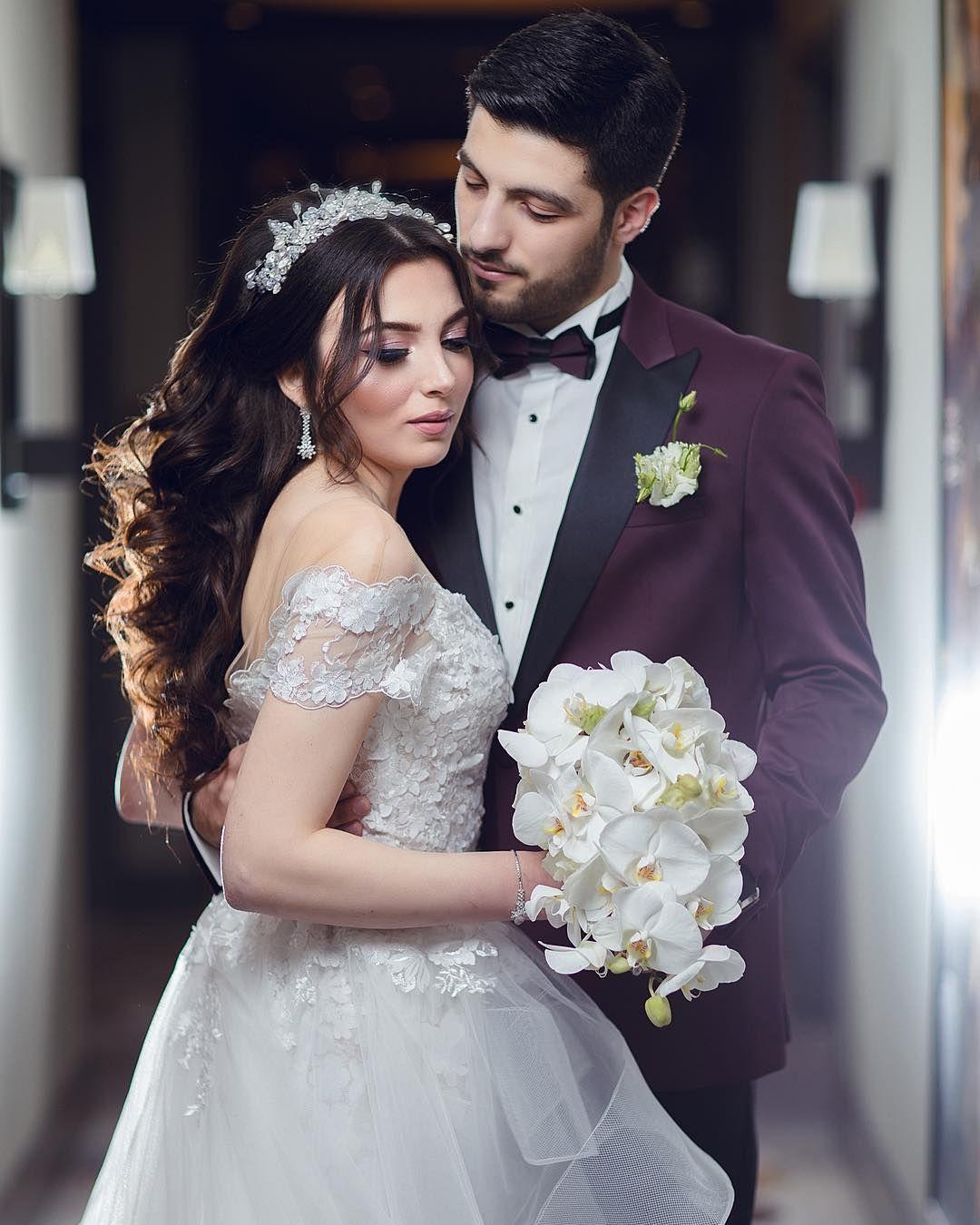 Pin By Munisa On Svadebnye Fotografii Beautiful Couple Cute Couples Wedding Dresses
