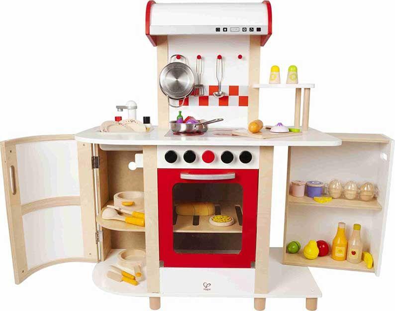 Giocattoli di cucina ricchi di accessori con cui i bambini possono ...
