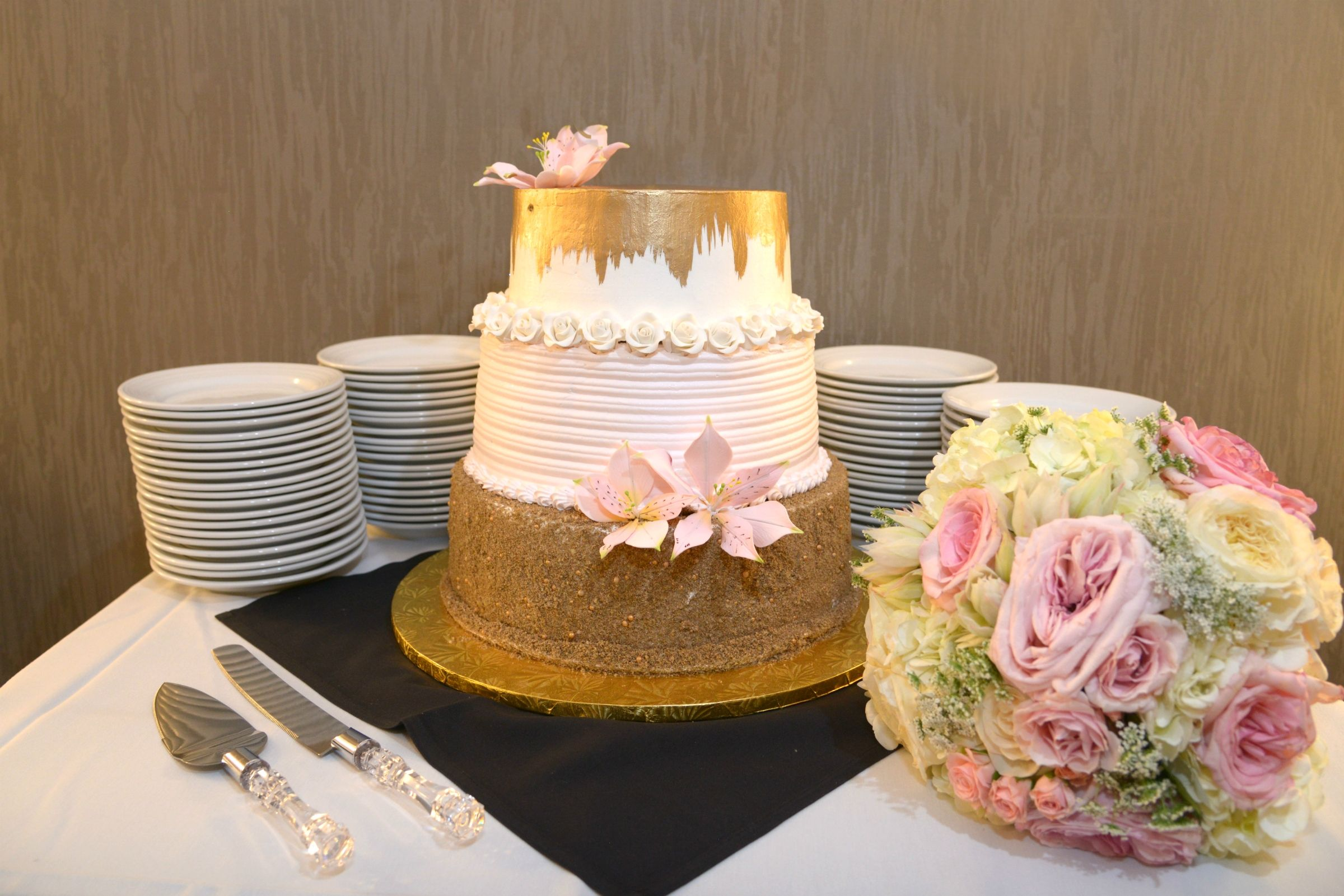 Las Vegas Suite Wedding Reception Rose And Gold The Chapel At Planet Hollywood