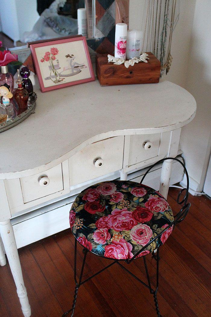 Vanity Stool Diy Stool: DIY: Reupholstered Vanity Stool