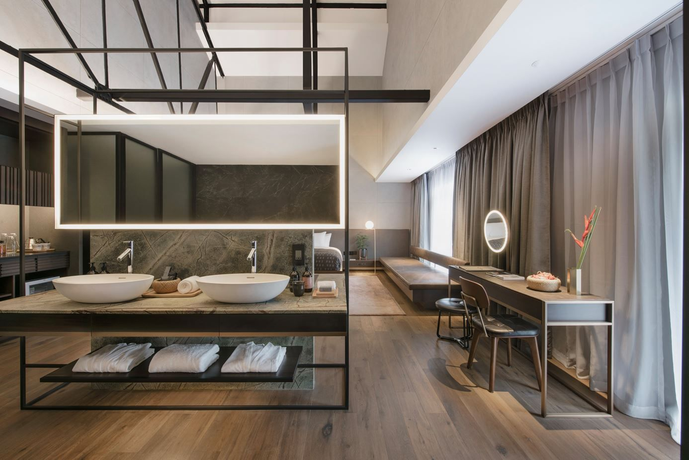 Badezimmer ideen hotel the warehouse hotel  picture gallery  hotel rooms  pinterest
