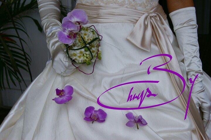 Bouquet de mariée. Phalaenopsis, ornithogalum, fil, perle. Wedding flower