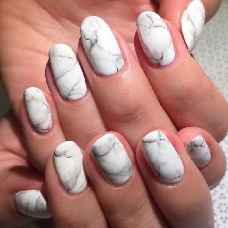 9 Nuevas Formas De Pintar Tus Uñas Mate   Diseños de uñas, Manicuras ...
