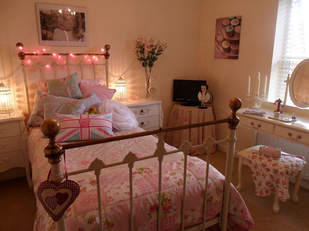 Resultado de imagem para Decorações inspiradoras de quartos românticos vintage e retrô