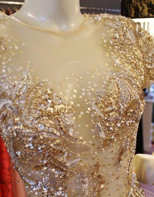 1edd1c036 2-vestido-longo-bordado-pedraria-calda-gata-dourada | Embroidery ...