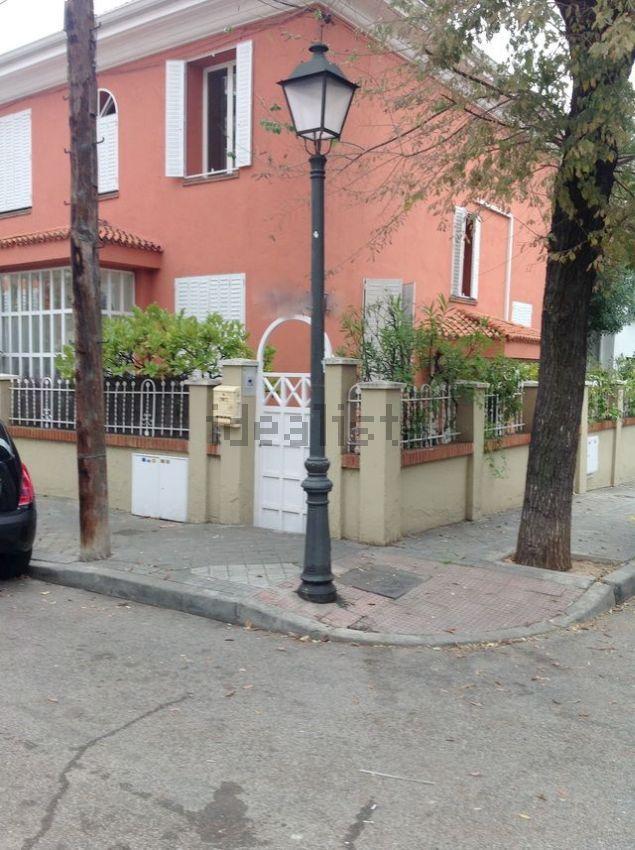 Imagen De Chalet Pareado En Fuente Del Berro Madrid Piso Barcelona Inmueble Inmobiliaria
