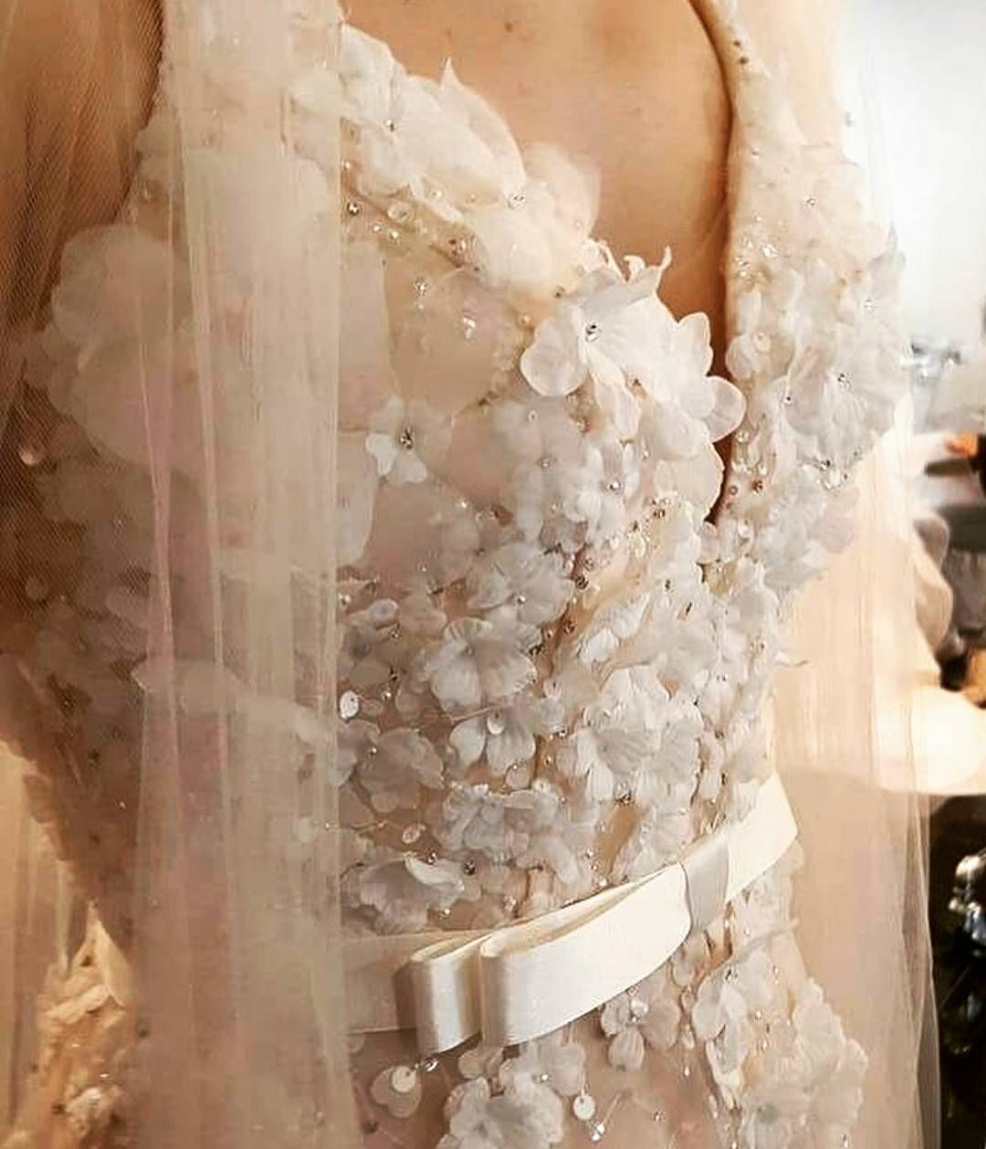 #gelin #gelinlik #gelinlikler #gelinlikmodelleri #weddedwonderland #russia #kına #nişan #bride #bridal #bridaldress #wedding #vestidodenoiva #weddingdress #glam #prenses #couture #weddingday #weddingphotography #transparan #hijab #couturefashion #houtecouture #fashion #bohem #transparent #style #bride #amazing #beautifulbride #tbt �� http://gelinshop.com/ipost/1500652326200087963/?code=BTTY1cChRWb