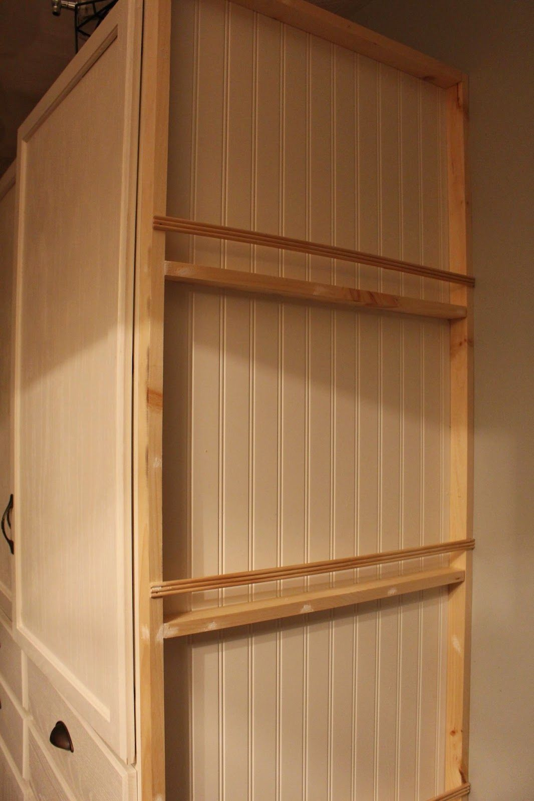 My DIY Kitchen: Plate Rack Wall - Made by Carli