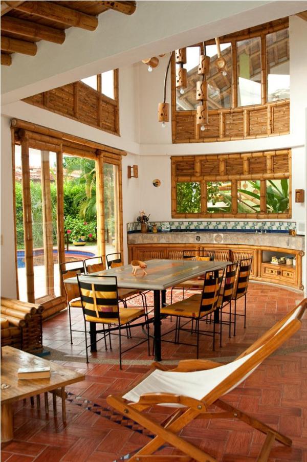 Interior casa campestre con guadua casas campestres for Disenos de casas campestres modernas