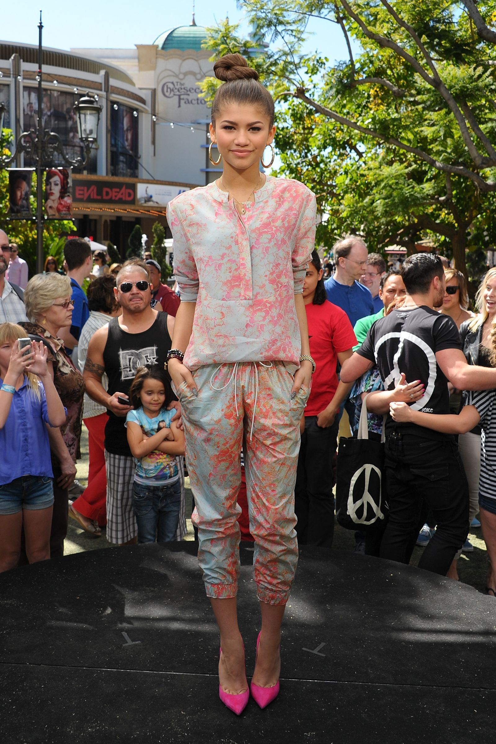 Zendaya's Best Outfits Over the Years, From 2010 to Now (с ...