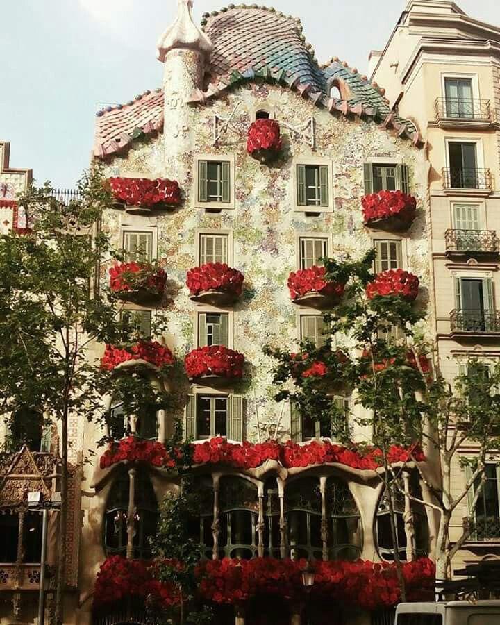 Sant Jordi 23 D Abril Barcelona Casa Batlló 2016 Falling Water Architecture Gaudi Casa Batlló