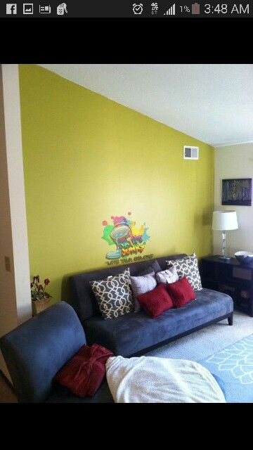 I\'ve never seen this color look so cute...accent wall #paintjunky ...
