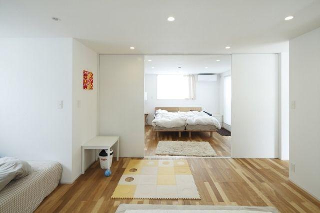 Schiebetüren wand integriert montage weiß schlafzimmer