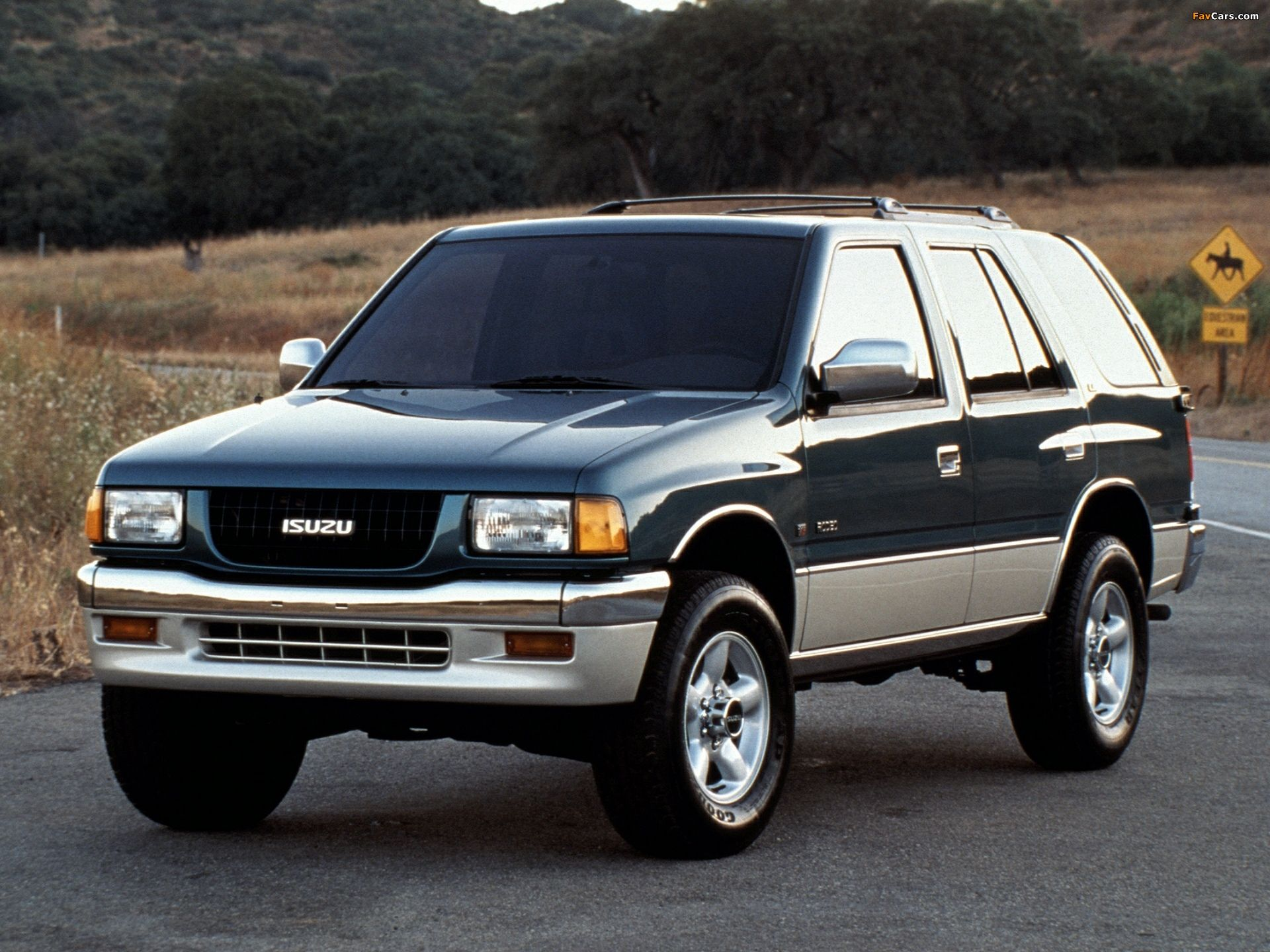 Isuzu Rodeo LS (UC) 1995–97 wallpapers