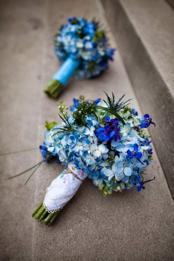Poradnik Slubny Moj Cudowny Slub Granatowe I Niebieskie Bukiety Slubne Kolej Blue Wedding Flowers Wedding Flowers Blue Hydrangea Blue Wedding Bouquet