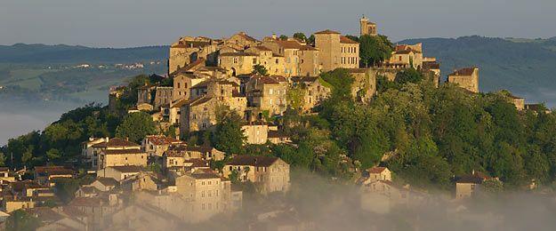 50 Beaux Villages De France Beaux Villages Village Francais
