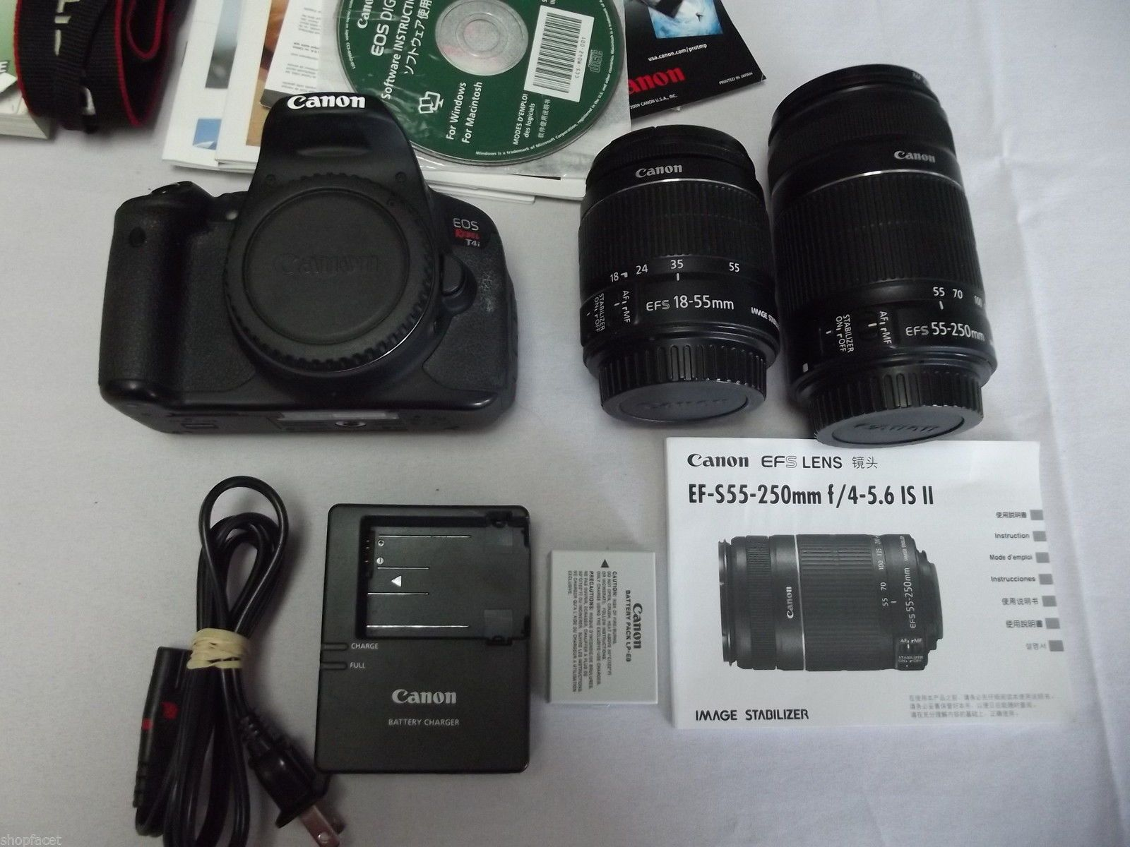 Canon EOS Rebel T4i 650D 18 0 MP Digital SLR Camera Kit EF S with 18-55mm and 55-250mm lens.