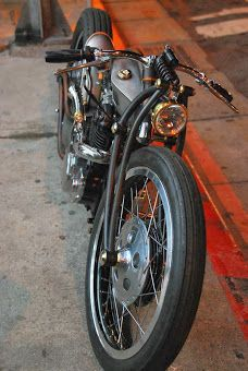 """SR400 """"The crazy arc"""" by the Ugley's - Japan"""