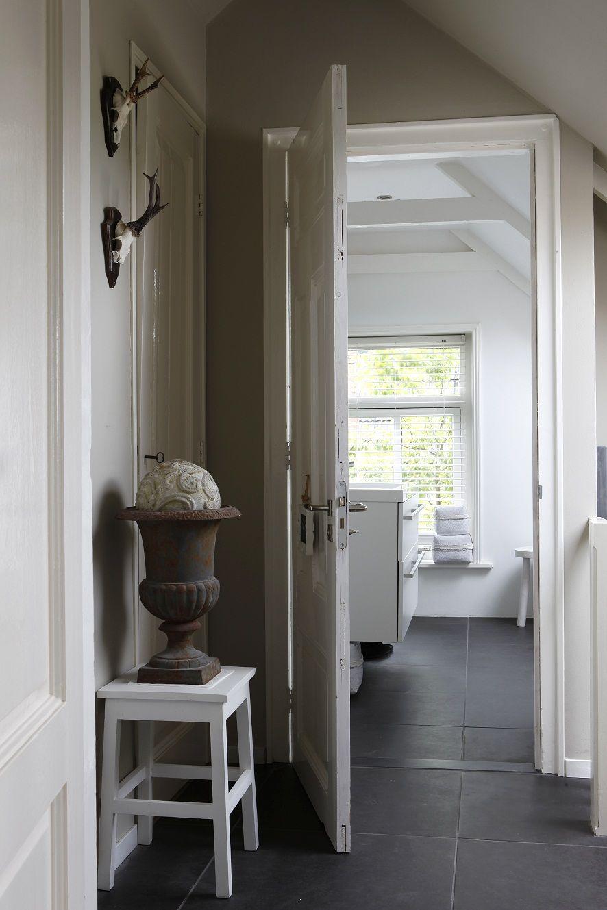 Stoere landelijke overloop home pinterest zand grijs en kleuren - Hal entreehal ...