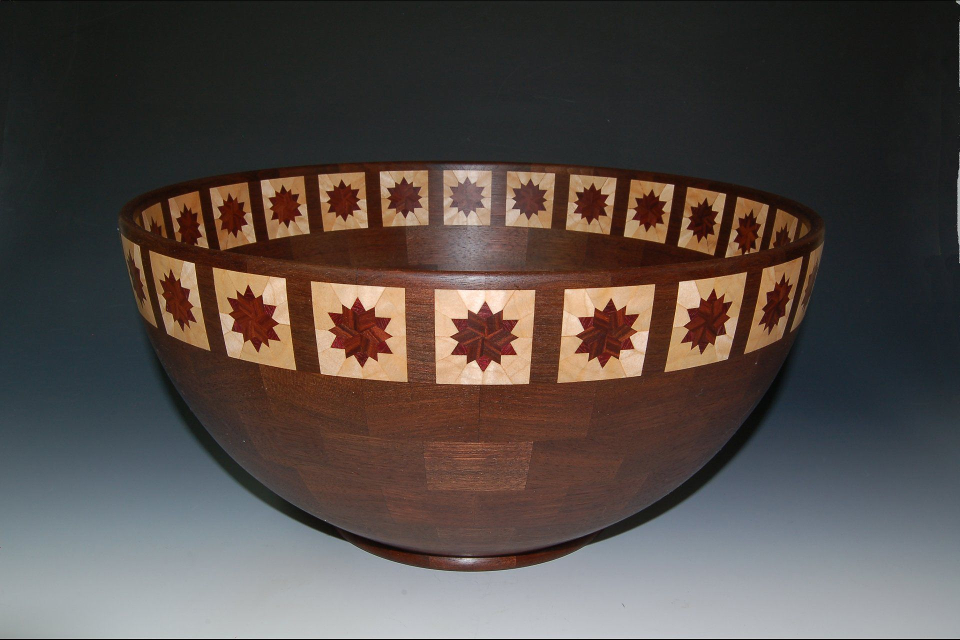 Tim Niewiadomski Artistic designs, Bud vases, Decorative