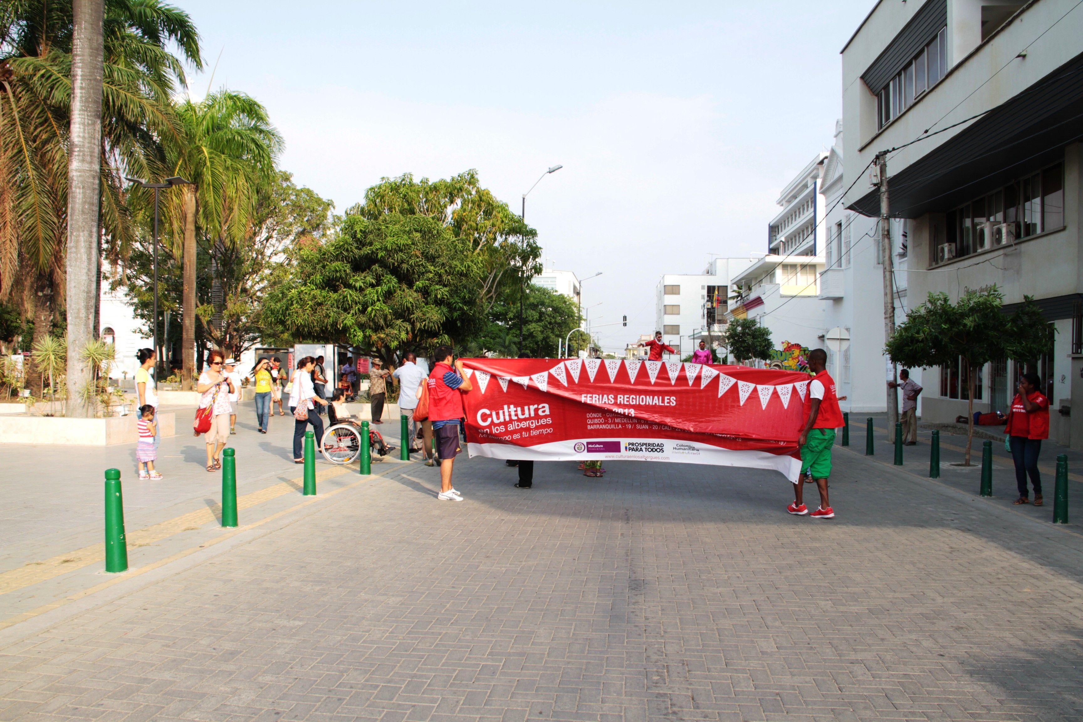 La comparsa de la feria regional en las calles de Montería