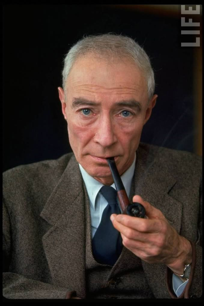 A biography of robert oppenheimer