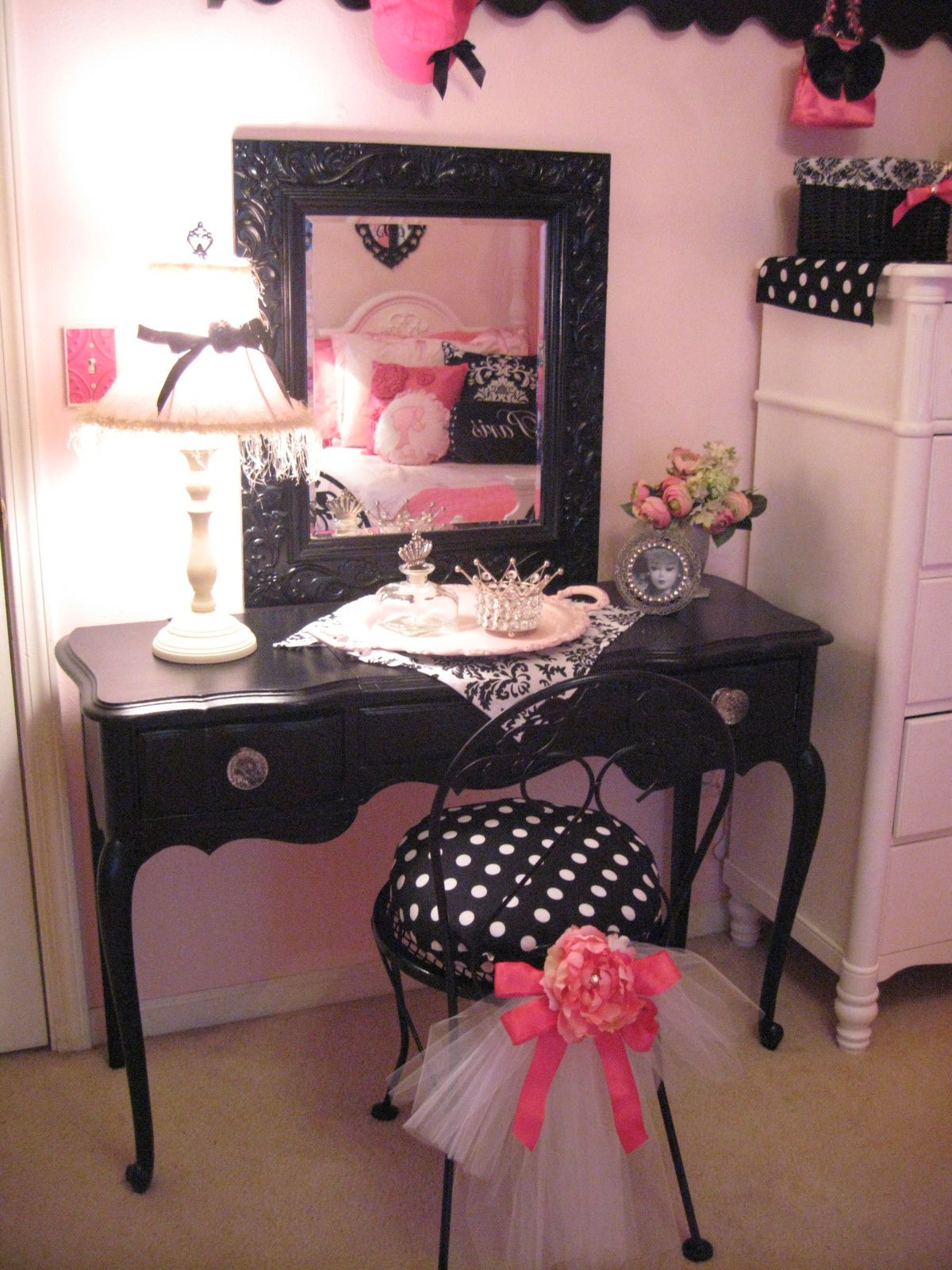 Pretty lil dressing table tocadors pinterest dressing tables pretty lil dressing table geotapseo Images