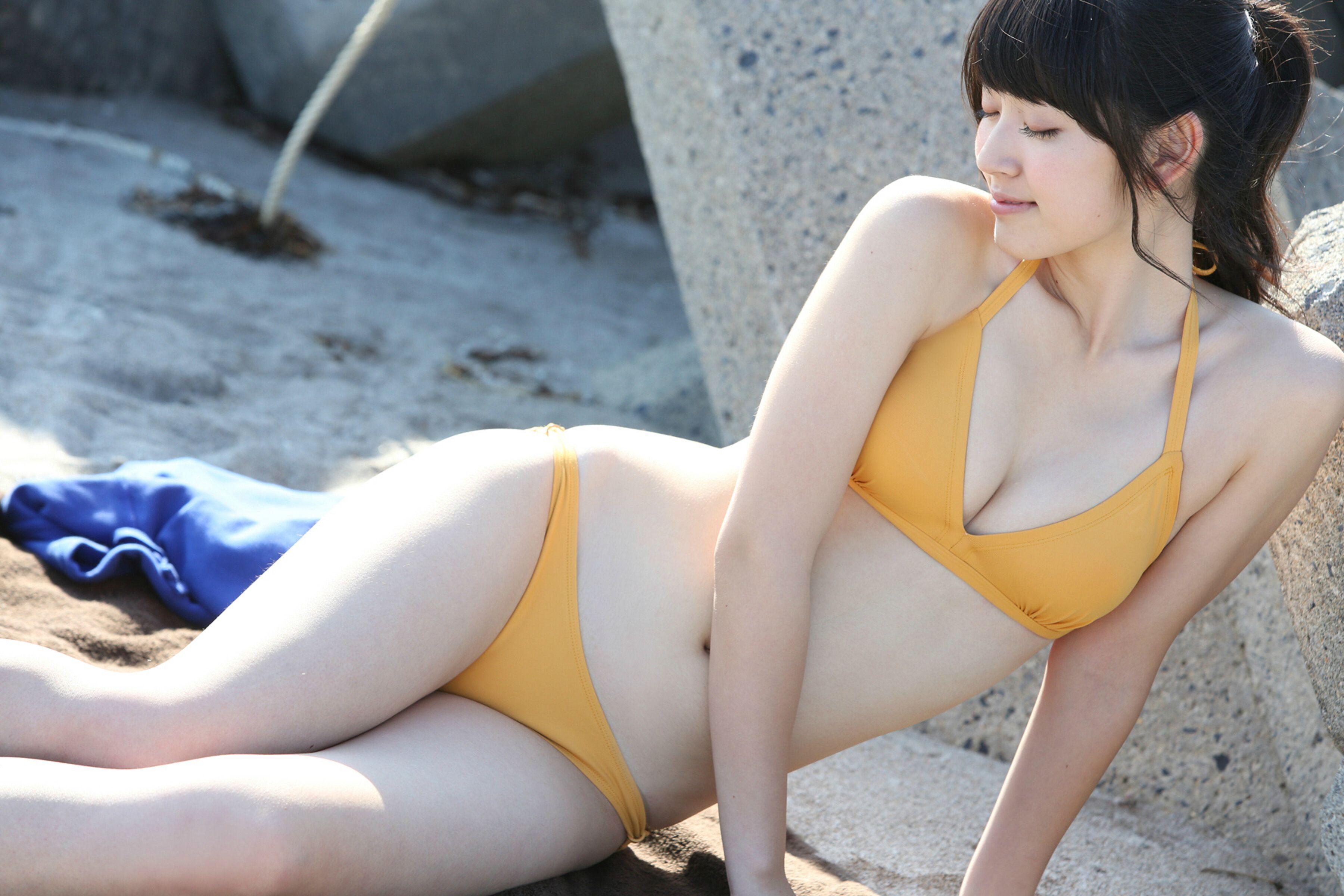 「鈴木愛理 水着」の画像検索結果