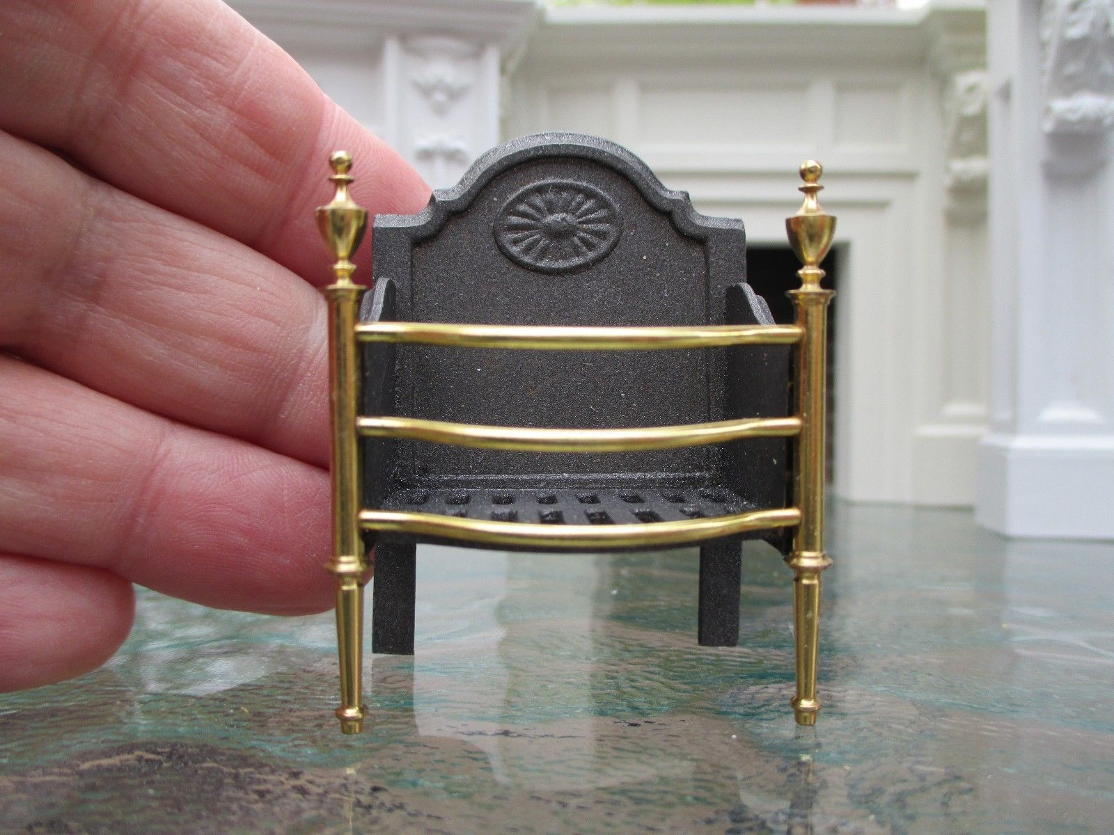 Dollhouse Miniatures ~ Excellent Upscale Fireplace Fire Grate ~ Brass Front | eBay
