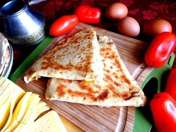 ESA – Armenian appetizer of pita bread.