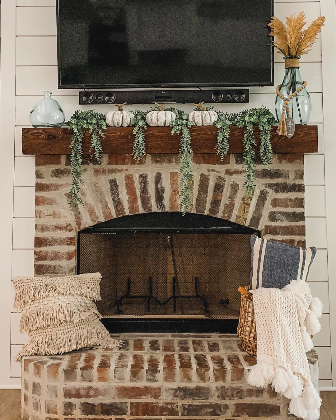 Beautiful Simple Brick Fireplace For Fall @casadethompson