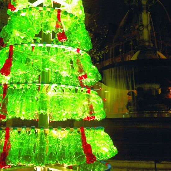 Christmas Decorations Made Out Of Plastic Bottles Recycled Soda Bottles Make For A Stunning Christmas Tree