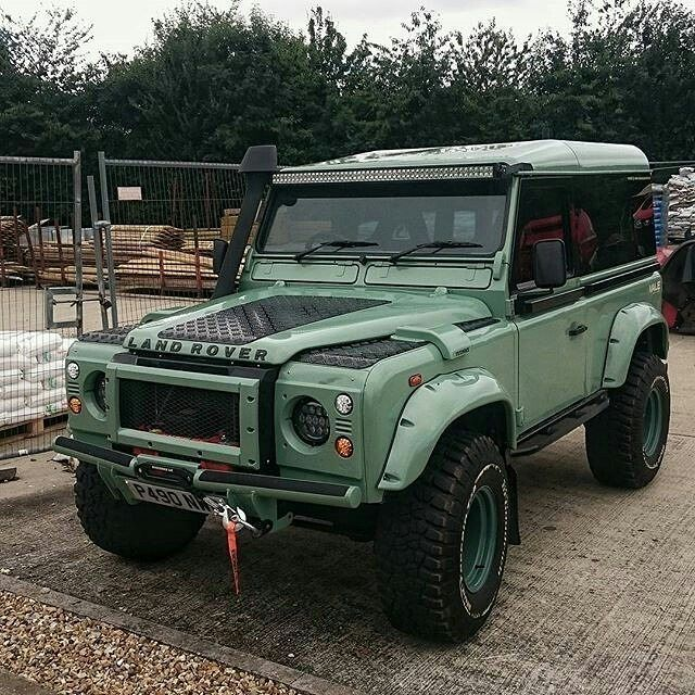 A Chunky Rebuild Utilising The Heritage Colour By The Rover Ranger Defender90 Landrover Landroverdefender La Rover Ranger Land Rover Land Rover Defender