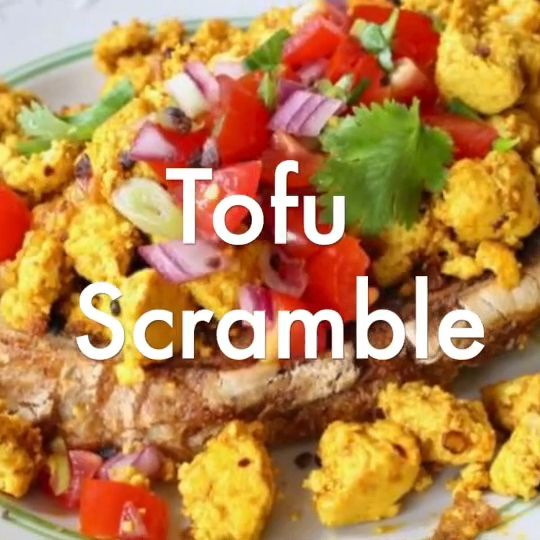 Fluffy tofu scramble with the ultimate eggy flavor from Kala Namak salt, turmeric and smoked paprika #Plantbased  #vegan  #tofurecipes #wfpb #breakfast #easyrecipe