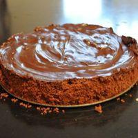 een makkelijke en lekkere chocoladetaart. Het recept vond ik op een of andere Vlaamse website. Al snel begonnen vrienden d