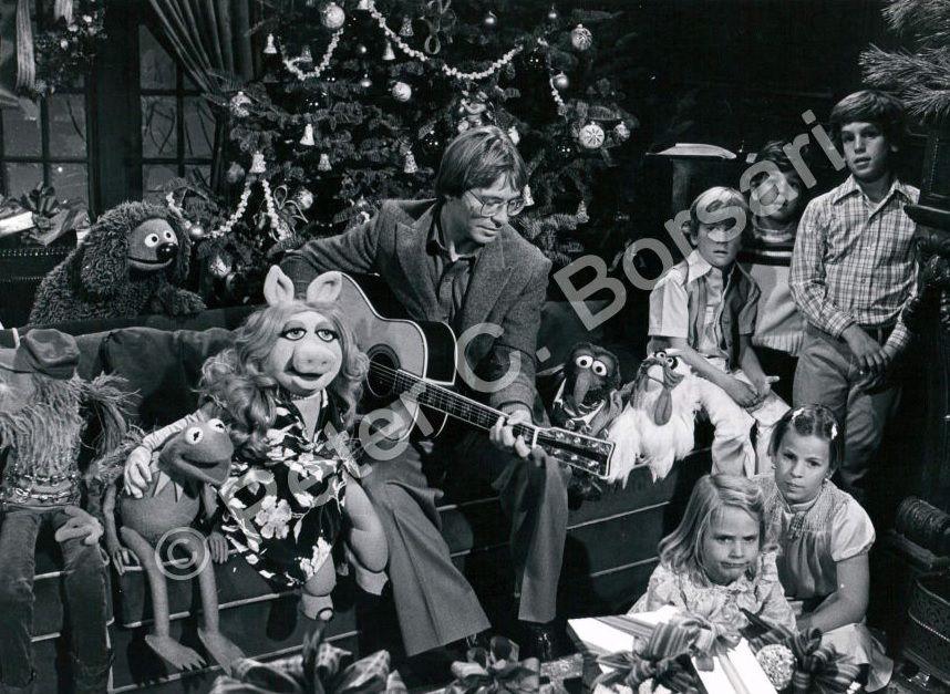 John Denver - Christmas with the Muppets | John Denver!- Far Out ...