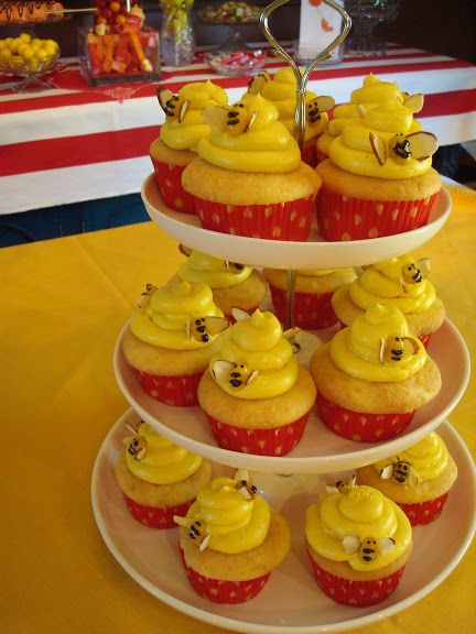 Winnie the Pooh party ideas cupcakes Party over here Pinterest