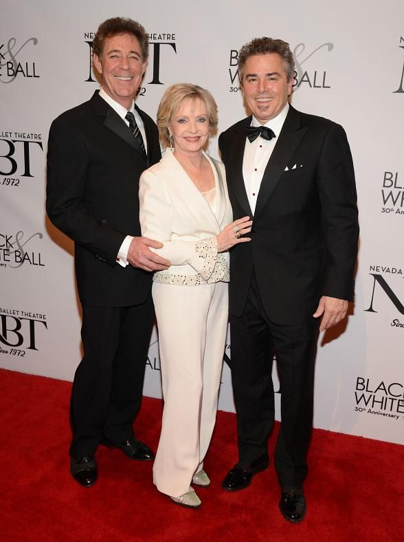 Mitzi Gaynor, Christopher Knight, Berry Williams, Claire Sinclair, Bella Electric Strings celebrate Florence Henderson as NBT's Woman of the Year (Photo: © Scott Harrison/ RETNA/ www.harrisonphotos.com)